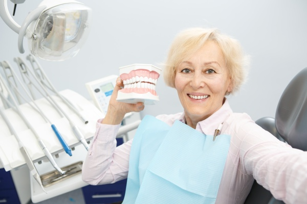 Eating With Partial Dentures And What To Avoid